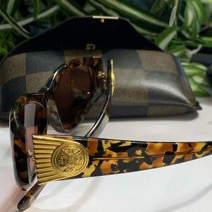 FENDI FS 146 tortoise 140 Beautiful vintage w/case